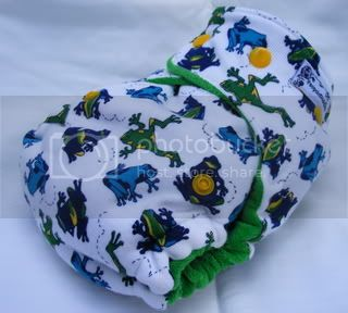 One Size Bamboo Fitted Cloth Diaper *Frogs