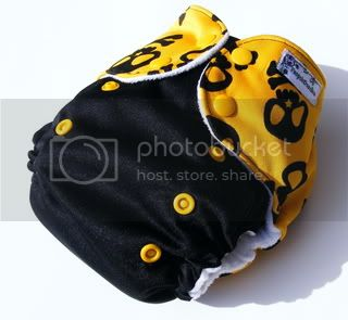 One Size AI2 Cloth Diaper Yellow Skulls On Black