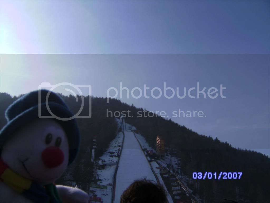 http://i811.photobucket.com/albums/zz40/peggertv/Mister%20Snow/Trip%20to%20Slovenia/BILD1443.jpg